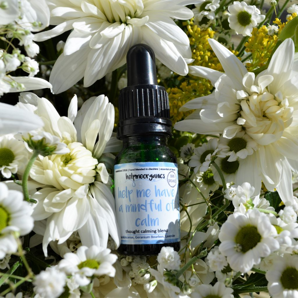 helps to calm and soothe your mind. organic essential oil blend